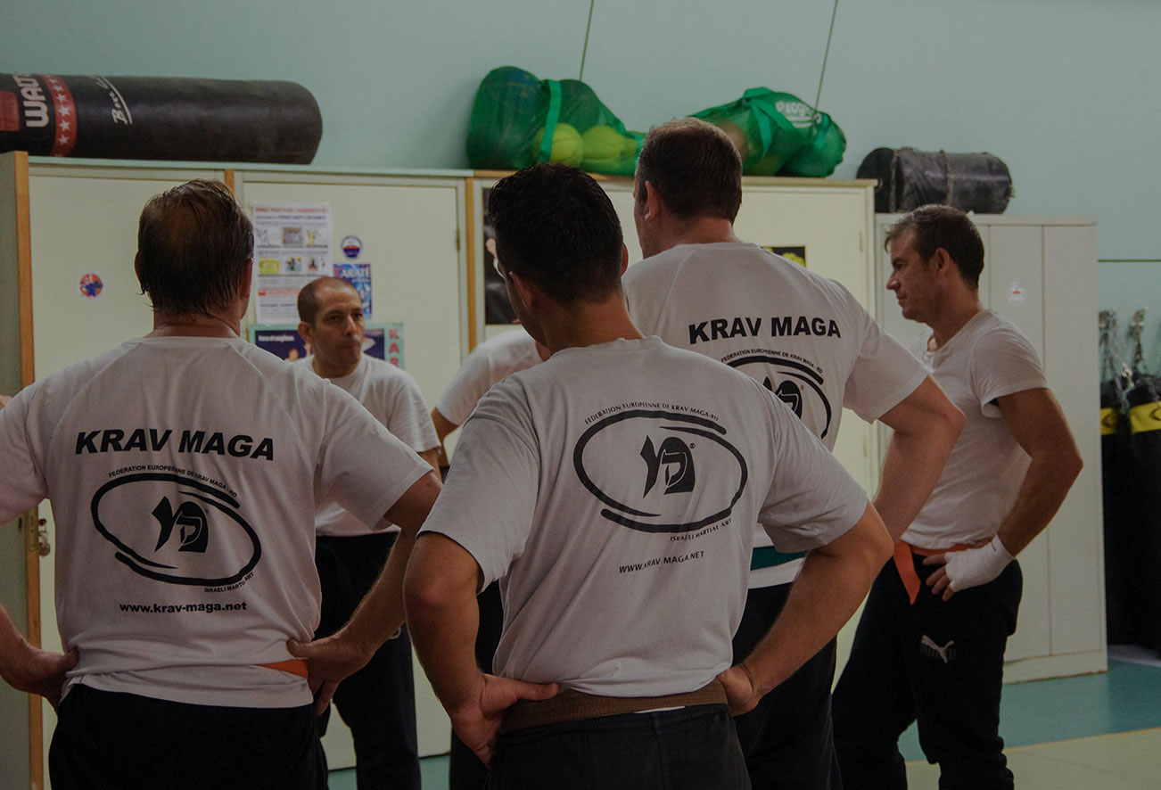 à la section Krav Maga du Fight School Biarritz